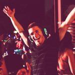 Как танцевать на дискотеке парню: будь собой